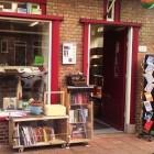 Lezen en keuvelen in Leeszaal Vreewijk