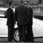 Mannen in het zwart: De werknemers van dubieuze organisaties