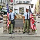 Checkpoint Charlie; controlepost bij de Berlijnse Muur