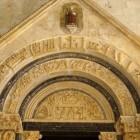 Romaanse kunst in de middeleeuwen: stijl en kenmerken