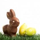Paaseieren verven als voorbereiding op het feest van Pasen
