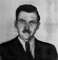 Mengele in 1956 / Bron: Anonymous photographer / Wikimedia Commons